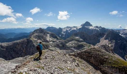 hiking-slovenian-mountain-trail-julian-alps
